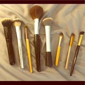 Lot of 8 makeup brushes.it cosmetics, Urban Decay
